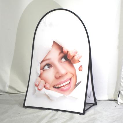 Pop-Up-publicitaire-verticale-Outdoor-Display